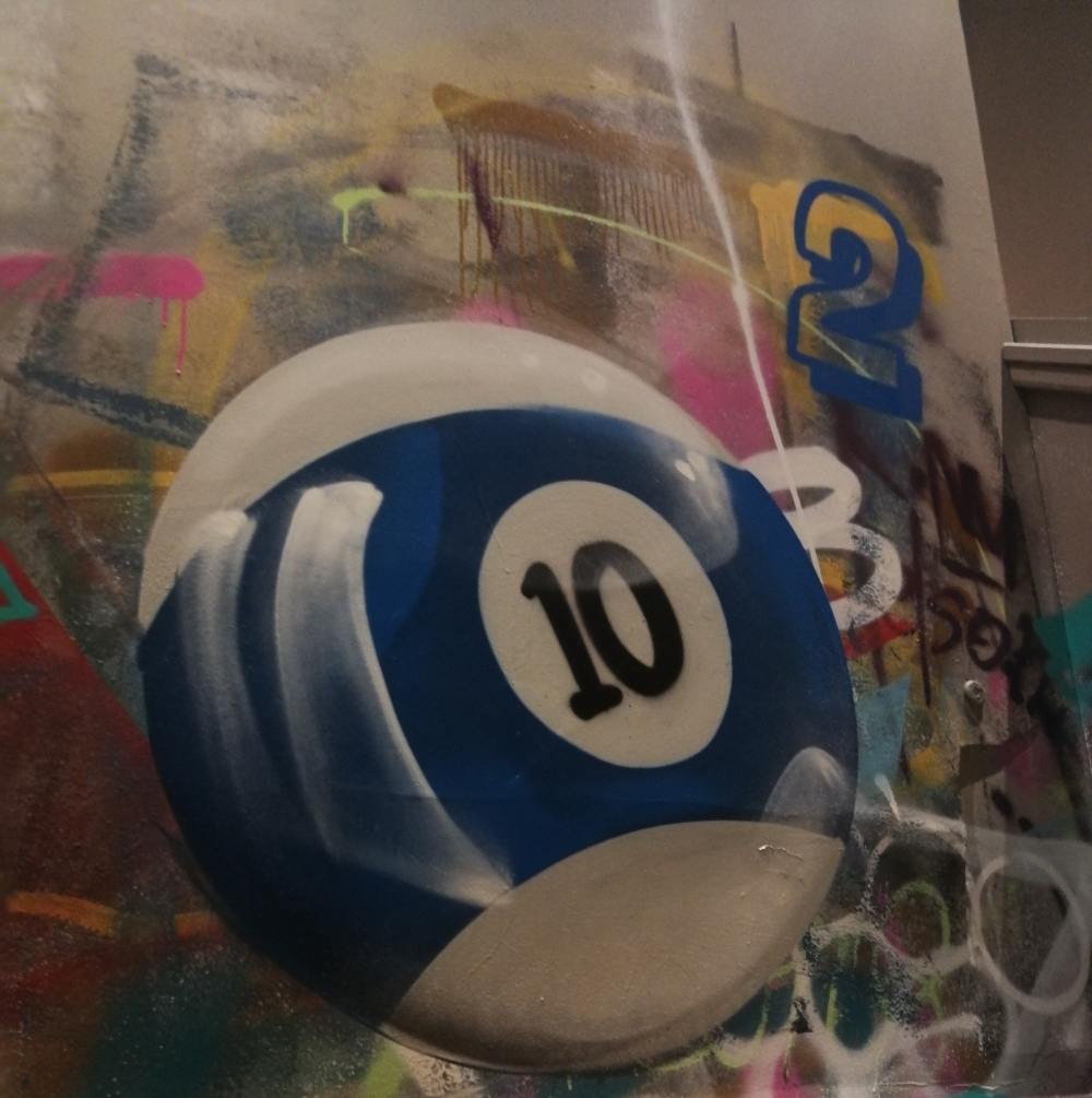Picture of pool ball