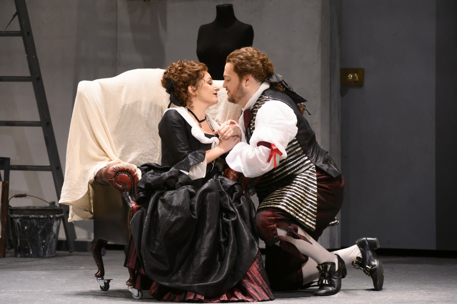 Susanna and Figaro captured in a loving embrace